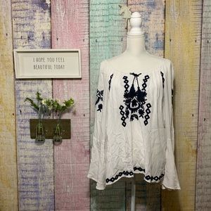 Bell sleeve embroidered tunic peasant blouse top